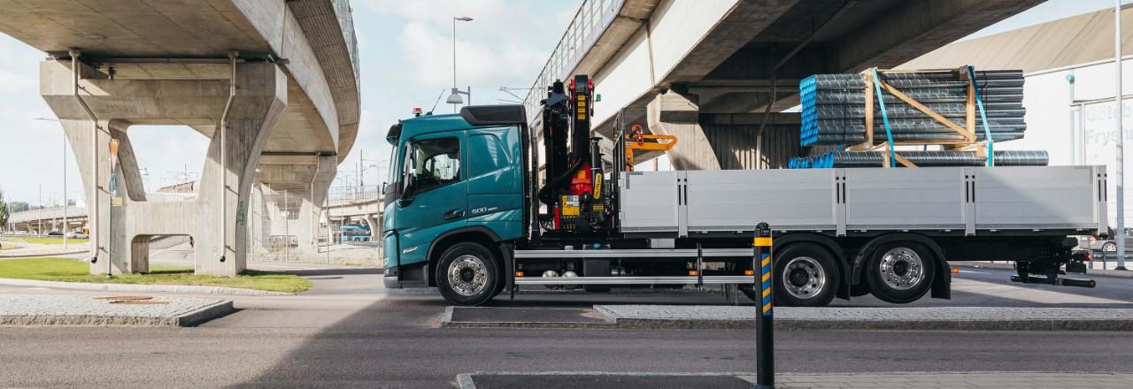 Вземете своя Volvo FM с разнообразни варианти на разположение на мостовете, междуосия и височини на шасито за вашите нужди.